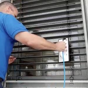 reinigungsservice jalousienreinigung nürnbergerlangen fürth www.glasklar-fensterreinigung.de