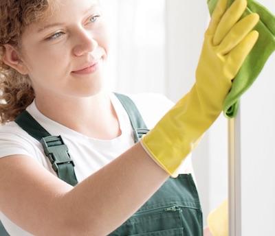 putzfrau-reinigung-fensterrahmen-www.fensterreinigungnuernberg.de/putzfrau-reinigung-fensterrahmen-wie-viel-kostet-die-fenster-reinigung